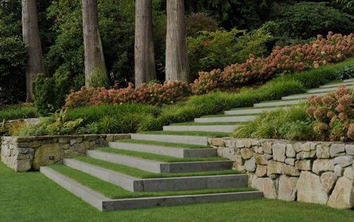 Colonial Land Design Landscaping
